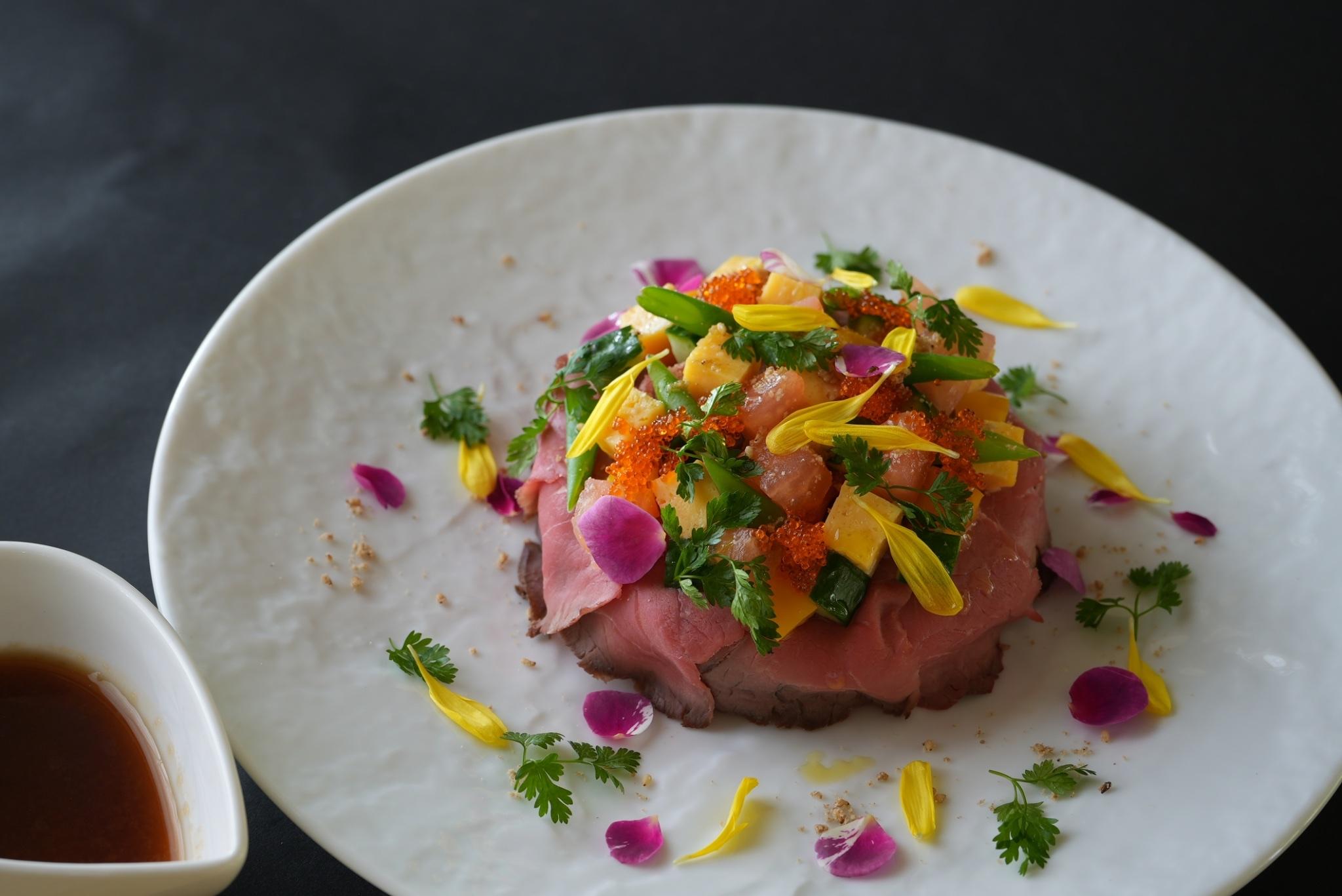 ぽんぽこの湯の「Bistro Kuu監修 肉バラ寿司」